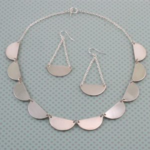 Scalloped Double Sided Necklace