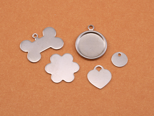 "Metal Stamping Blanks Nickel Silver Stylized Heart Tag wih Hole, 16.5mm (.65"") x 12mm (.47""), 24g"